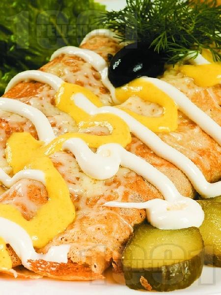 Солени палачинки с картофи, шунка и топено сирене - снимка на рецептата